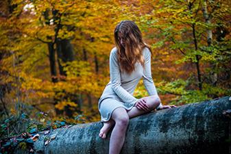 La Demoiselle et la Forêt - Photo Shoot par Yacine B.   Modèle : Céline